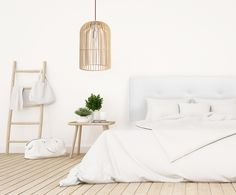 jaulas de pajaro y estructuras ligeras sirven de inspiración a este original #diseño de #lámpara en madera https://iluminoteca.com/producto/lampara-artesanal-en-madera-sauca/ …