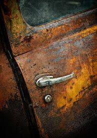 Rust in peace babe Rusted Metal, Metal Art, Vintage Trucks, Old Trucks, Rust Never Sleeps, Pompe A Essence, Rust In Peace, Rusty Cars, Peeling Paint