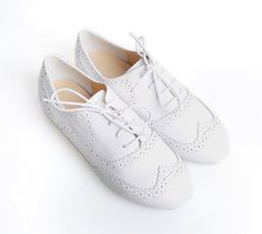 White Casual Shoelace Shoes