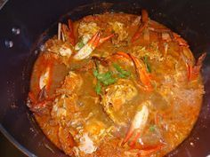 A traditional Goan crab curry a blend of rich spices and coconut. Goan Recipes, Curry Recipes, Seafood Recipes, Indian Food Recipes, Shellfish Recipes, Chicken Recipes, Calamari Recipes, Grilling Recipes, Recipes