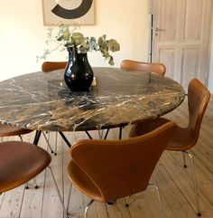 Dining Area, Dining Table, Home Furniture, Furniture Design, Puzzle Table, Wall Mounted Lamps, Diy Coffee Table, Small Living, Home Interior Design