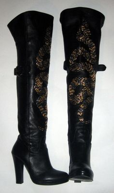 Thomas Wylde    Snake Stud Boot    Cost £2,771 in 2010    Size 36    Pandora Price: £499