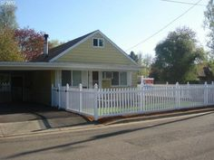 51 Van Buren Ave, Cottage Grove, OR 97424