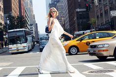 Candice Lake in bianco etereo #followgrazia http://www.grazia.it/moda/streetstyle/new-york-street-style-fashion-week-sept-2013