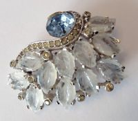 RARE VINTAGE JOMAZ SIGNED LIGHT BLUE CLEAR MOLDED LEAF & CLEAR RHINESTONE BROOCH