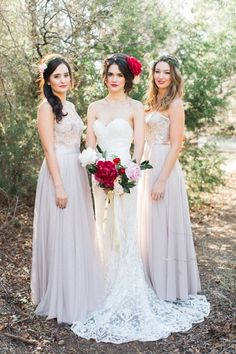 Romantic Bride with Peony Bouquet and Bridesmaids | Allen Tsai Photography on @CVBrides via @aislesociety