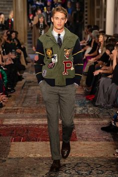 Ralph Lauren available at Luxury & Vintage Madrid, the best selection of contemporary and vintage clothing, discover our top brands , Express Delivery! Ralph Lauren Shop, Ralph Lauren Style, Preppy Outfits, Preppy Style, Preppy Men, Style Men, Men's Style, Gucci Suit, Ivy Style