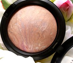 MAC A Perfect Topping Skinfinish, a a pale pearly pink