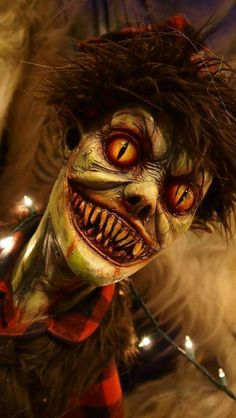Give us a kiss!!                                                       … Macabre, Evil Clowns, Scary Clowns, Scariest Clowns, Scary Faces, Arte Horror, Horror Art, Horror Movies, Horror Pics