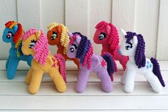 KrudtuglensMor: Rainbow Dash, Fluttershy, Applejack, Twilight Sparkle, Pinkie Pie og Rarity i hæklet udgave!