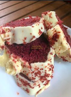 Red cake with white icing [red velvet cake]… – New Cake Ideas Red Velvet Cake, Red Cake, Sweets Recipes, Cake Recipes, Desserts, Cake Cookies, Cupcake Cakes, Greek Sweets, Baby Cooking
