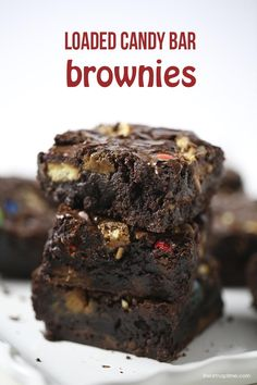 Loaded candy bar brownies on iheartnaptime.com ...yum! #recipes #desserts