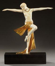 Art Deco Nude bronze and ivory figure by Claire-Jeanne Roberte Colinet, France Art Nouveau, Art Deco Period, Art Deco Era, Art Sculpture, Sculptures, Moda Art Deco, Muebles Art Deco, Art Deco Artists, Estilo Art Deco