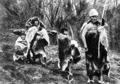 Pulsa para ver la imagen a tamaño completo Patagonia, Australian Aboriginals, Melbourne Museum, Sacred Mountain, Native American Photos, South America, Ephemera, People, Beauty