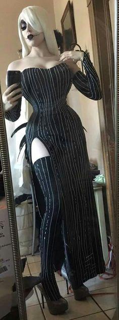 Jessica Skellington (Jessica Rabbit - Jack Skellington mashup) cosplay by Kitty Krell, Cosplayer Based on the art by Janine van Moosel, Artist and Illustrator Costume Sally, Costume Halloween, Looks Halloween, Cool Costumes, Cosplay Costumes, Halloween Party, Tim Burton Halloween Costumes, Halloween Witches, Halloween 2016