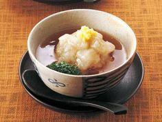 田村 隆 さんのれんこんを使った「れんこん蒸し」。れんこんをすりおろしてから蒸すと、モチッとした独特の食感に。冬ならではのご馳走です。 NHK「きょうの料理」で放送された料理レシピや献立が満載。