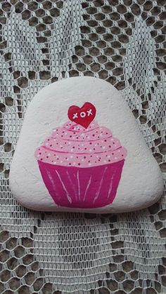 Sweet Valentine cupcake, painted on a Lake Huron beach stone by Cindy P 2018.