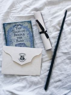 Discovered by 𝐃𝐚𝐲𝐝𝐫𝐞𝐚𝐦𝐞𝐫𝐱𝐁𝐞𝐥𝐢𝐞𝐯𝐞. Find images and videos about blue, harry potter and hogwarts on We Heart It - the app to get lost in what you love. Theme Harry Potter, Harry Potter Houses, Harry Potter Aesthetic, Hogwarts Houses, Harry Potter Memes, Potter Facts, Ravenclaw, Room Deco, Harry Potter Wallpaper