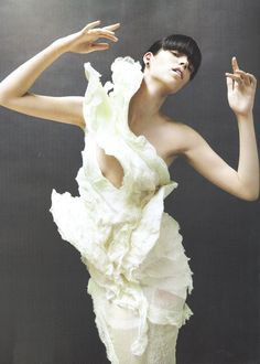 Beautiful Sculptural Fashion - dress with delicate swan-like form & texture // Olivier Theyskens for Nina Ricci Couture