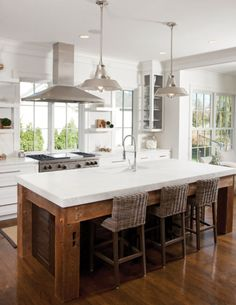 White kitchen with woodwork and wicker #home #decor