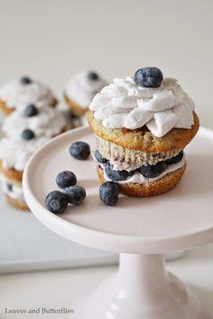 blueberry cupcakes with mascarpone cream