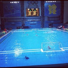 gabifenomeno's photo  of Olympic Water Polo Arena on Instagram
