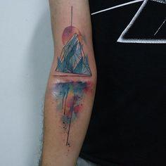 Iceberg no Pedro. #tattoo #watercolor #watercolortattoo #iceberg #skazxim #colors #recife #tattoaria #Equilattera #tattoo2me #inspirationtattoo