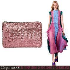 Descubre nuestra maravillosa selección de #bolsos de #fiesta ★ 11,95 € en https://www.conjuntados.com/es/bolsos/bolsos-de-mano/bolso-cartera-de-mano-con-lentejuelas-circulares-en-rosa.html ★ #novedades #bolso #handbag #purse #crossbodybag #conjuntados #conjuntada #accesorios #lowcost #complementos #moda #fashion #fashionadicct #picoftheday #outfit #estilo #style #GustosParaTodas #ParaTodosLosGustos