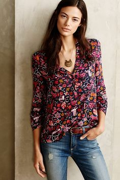 Anthropologie Maeve Size 6 Fall Autumn Leaf Squirrel Moonflower Henley Blouse LOVE this top, but I really need more tank/short sleeve work shirts Anthropologie Clothing, Blouse Outfit, Autumn Winter Fashion, Winter Wear, Fall Fashion, Fashion Ideas, Shirt Blouses, Style Me, Casual Styles