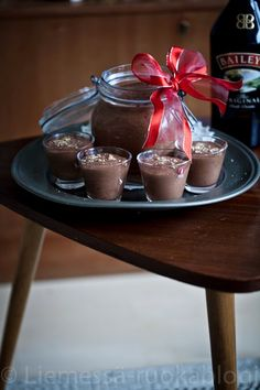 BAILEYS SUKLAAMOUSSE – Liemessä Merry Christmas, Xmas, Christmas Foods, Baileys, V60 Coffee, Sorbet, Chocolate Fondue, Mousse, Panna Cotta