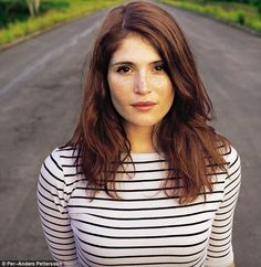 and her freckles. It's disappointing when women cover up their beautiful freckles. I love freckles. Gemma Arterton, Gemma Christina Arterton, Prince Of Persia, Beautiful People, Beautiful Women, Corte Y Color, James Bond, Beautiful Actresses, Beautiful Celebrities