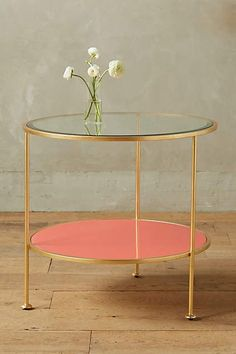 The Chic Technique: Lacquered Round Side Table Unique Furniture, Dining Furniture, Furniture Decor, Furniture Design, Funky Furniture, Vintage Furniture, Style At Home, Gold Accent Table, Accent Tables