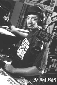 DJ Red Alert Check out www.djlooneytunes.de www.facebook.com/DeeJayLooneytunes #djlooneytunes #hamburg #hiphop #partyclassics #dj #party #djlooneytunesde #mashups #backinthedays #oldschool #djing #rap #events #turntables #sticker #vinyl #serato #facebook