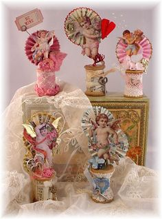 Trash to Treasure Art. wooden spools with cut-outs from vintage Valentine's cards - an antique key here, a piece of lace there - use your imagination to make them truly unique! - DIY and Crafts My Funny Valentine, Vintage Valentine Cards, Valentine Day Love, Valentine Day Crafts, Valentine Decorations, Holiday Crafts, Valentine Stuff, Spool Crafts, Do It Yourself Inspiration