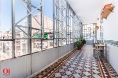 Original ceilings, floors, architecture, royal property for sale in Barcelona, apartment for sale in Barcelona, balcony http://oibarcelona.com