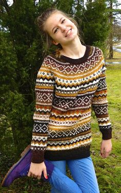 Fair Isle Natural wool sweater Made to order image 1 Motif Fair Isle, Fair Isle Pattern, Fair Isle Knitting Patterns, Knitting Machine Patterns, Icelandic Sweaters, Wool Sweaters, Pakistani Fashion Casual, Kinds Of Clothes, Sweater Making