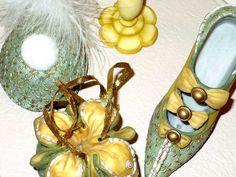 Porcelain Figurines Shoe Hat Purse Hat Holder Set by designfinder