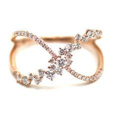 Crisscross ring in rose gold Diamond Rings, Diamond Jewelry, Gold Jewelry, Jewelry Rings, Vintage Jewelry, Jewelry Accessories, Jewelry Design, Jewellery, Unique Rings