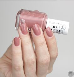 Essie Nr. 477 Sorrento Yourself from Resort Collection 2017 More pictures? :) http://www.sabrinasbeautyparadise.de/essie-477-sorrento-yourself-vergleich/ - Nailpolis: Museum of Nail Art