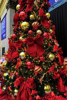 The Most Colorful Christmas Trees And Decorations You Have Ever Seen-homesthetics (1)