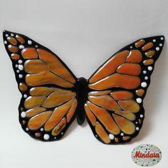 """Mariposa realizada en vidrio-fusión """"by Mindaia"""". https://www.etsy.com/es/listing/450436132/mariposas-monarca-de-colores-en-vidrio?ref=shop_home_active_1"""