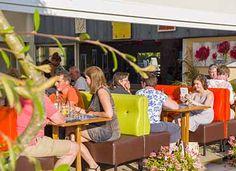 Terrasse de la Brasserie Bretonne, le restaurant du camping Yelloh ! Village L'Océan Breton *****  #gastronomie #vacance #bretagne #camping  #campingbretagne #cinqetoiles #yellohvillage #leadingcampings   http://www.camping-bretagne-oceanbreton.fr/camping-village/la-restauration.html