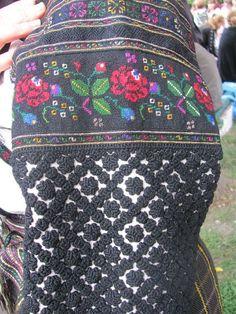Borshchiv, Ternopil' r-n , W Ukraine, from Iryna Russian Folk Art, Ukrainian Art, Traditional Fashion, Traditional Outfits, Folk Embroidery, Embroidery Designs, Folk Clothing, Folk Fashion, Folk Costume