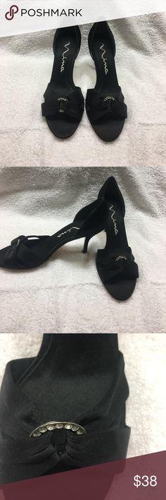 Nina open toe heels Black almost new black size 8 woman's open toe shoes. Nina Originals Shoes Heels