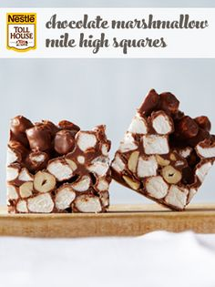 Kids will love to make and eat these chocolate, peanut butter and marshmallow treats! Chocolate Marshmallow Squares, Marshmallow Treats, Chocolate Marshmallows, Dessert Bars, Dessert Recipes, Desserts, No Bake Fudge, Christmas Baking, Christmas Cookies