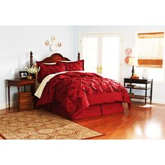 Just ordered this!!  Beautiful tufted red comforter :)