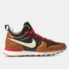 Nike Internationalist Mid Escape QS Shoes - Baroque Brown