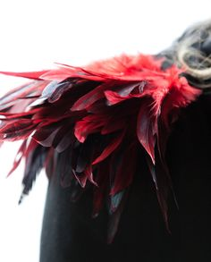 Upgrade an old dress or shirt with feather shoulder epaulettes for a haute couture look. Red Feather, Black Feathers, Phoenix Costume, Haute Couture Looks, Old Dresses, Floral Headpiece, Pandora Jewelry, Larp, Costume Design