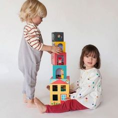 Build a home for your three new animal friends with our the Peek-a-Boo House. These stackable cubes fit away inside of each other so are easily put away for no mess playtime fun Irish Pottery, Accordion Book, Stacking Blocks, Modern Toys, Irish Design, Retro Stil, Wooden Animals, Bedtime Routine, Dinnerware Sets