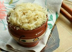 Munchen Sauerkraut Dinner Try the German recipe made with red cabbage. Fermented Cabbage, Fermented Foods, Sauerkraut, Kefir, Sour Cabbage, Red Cabbage, Pescatarian Diet, Cabbage Recipes, Health